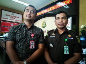 Kasi Pidsus Kejaksaan Negeri Kab Bandung didampingi Kasi Intel Kejaksaan Negeri Kab. Bandung