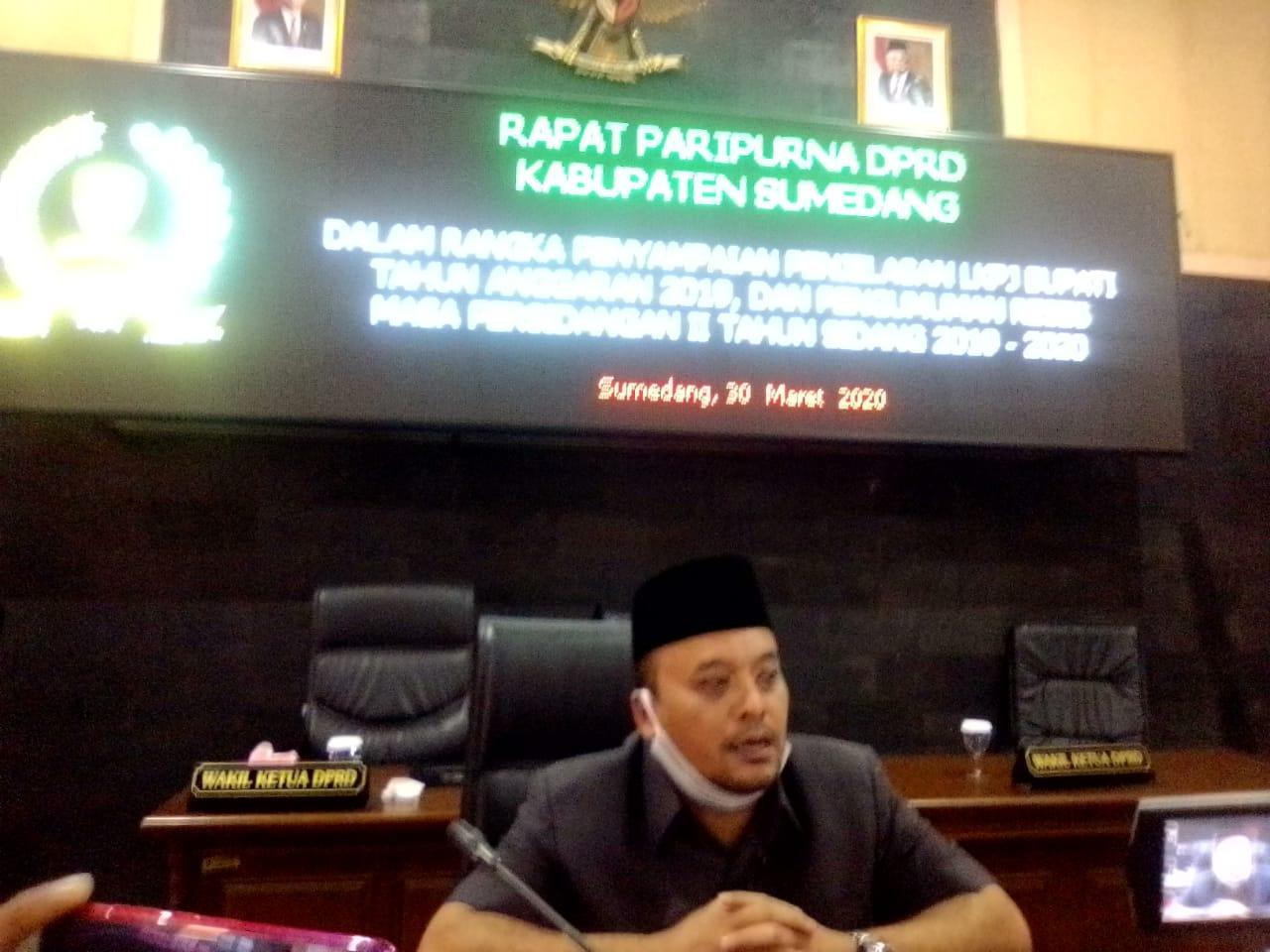 Ketua DPRD Sumedang Irwansyah Putra, dalam conferensi Pers nya.